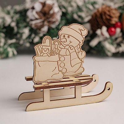 """Сувенир Санки """"Снеговик+подарок"""", 10х8,5х4,7 см"""